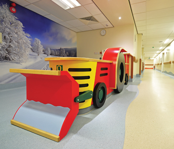 royal-oldham-hospital_int